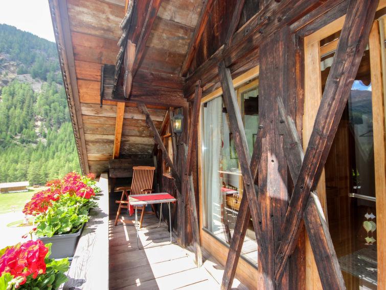 Beim Holzschnitzer - Slide 2