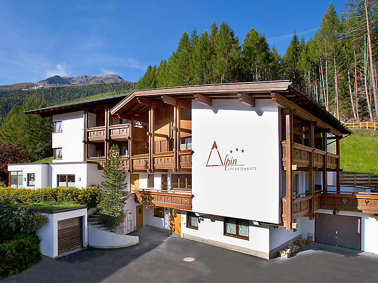 Apartment Alpin (12p) with sauna, at 300 m from the ski area (I-363)