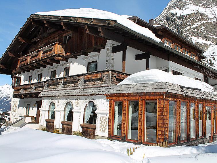 Ski-appartement (4p)  met wifi aan de piste van het Pitztal. Sauna in complex (I-478)