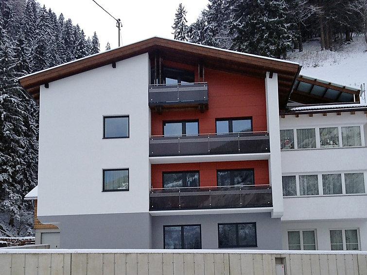Slide2 - Urgbach Apart
