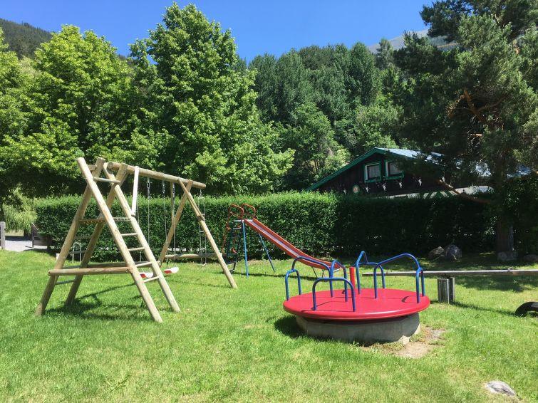 Slide3 - Burg Biedenegg mit Schlosscafe