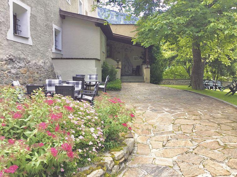 Slide4 - Burg Biedenegg mit Schlosscafe