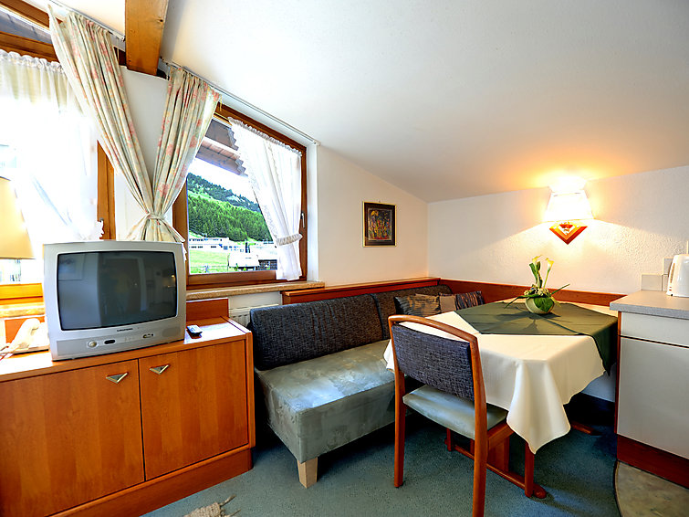Apartment Platz an der Sonne (3p) in the mountains of Tirol, with internet (I-320)