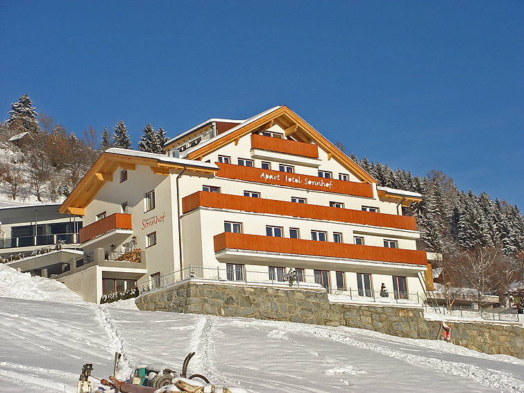 Directly at the ski ring in ski area Serfaus-Fiss-Ladis Luxurious apartment for ski holiday in Tirol (6p) (I-316)