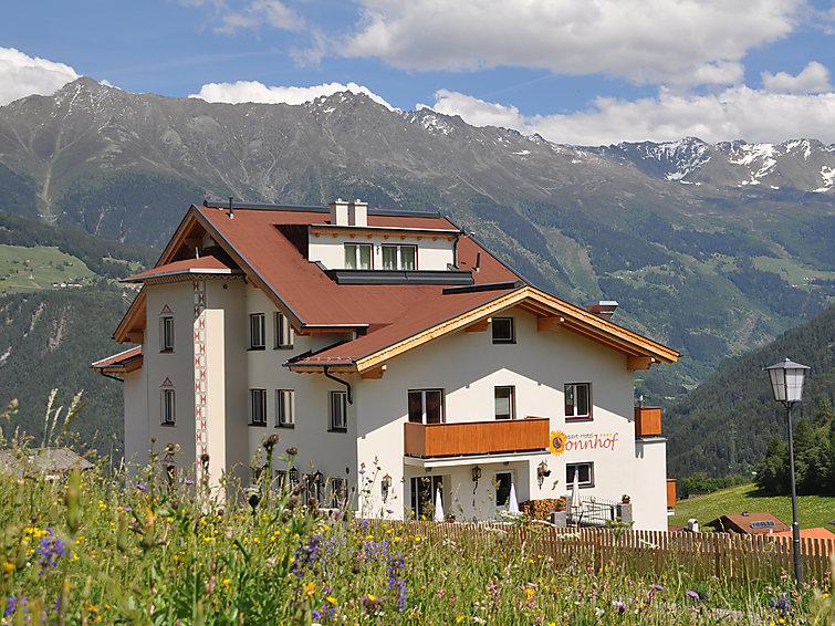 Ski apartment in apartment-hotel Ladis (6p) at the slopes ski area Serfaus-Fiss-Ladis (I-311)