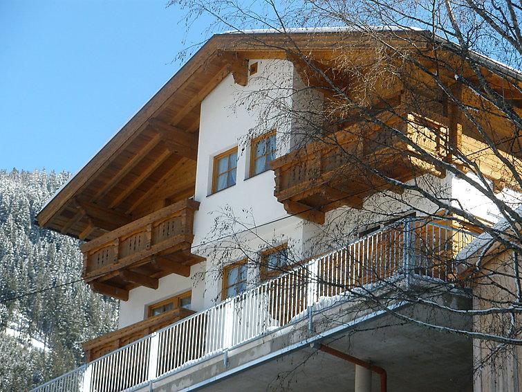 Appartement Helmuth (4p) 150 meter van de piste in de buurt van Ischgl, Oostenrijk (I-523)