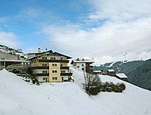ück con forno und per le escursioni in montagna