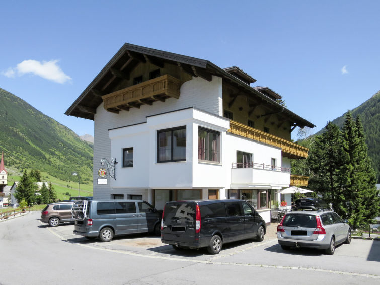 Photo of Bergfried (GLT200)