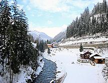 am Arlberg balkonlu ve Park yeri ile