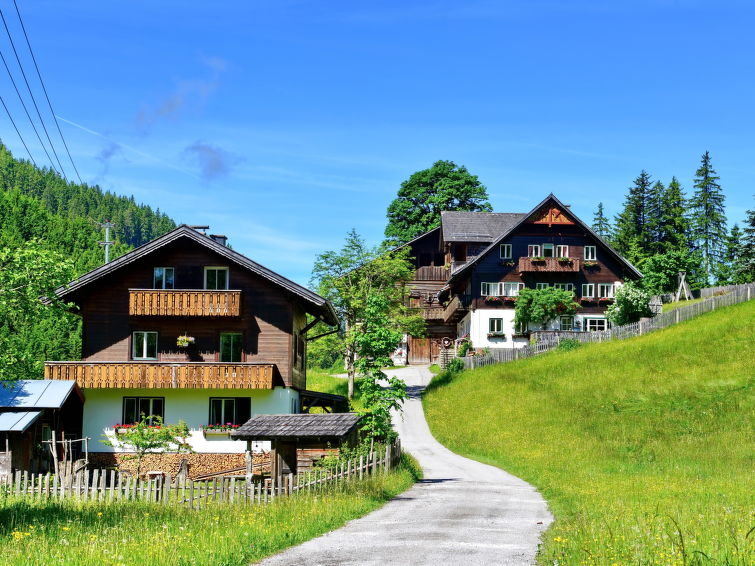 Slide2 - Knaushausl