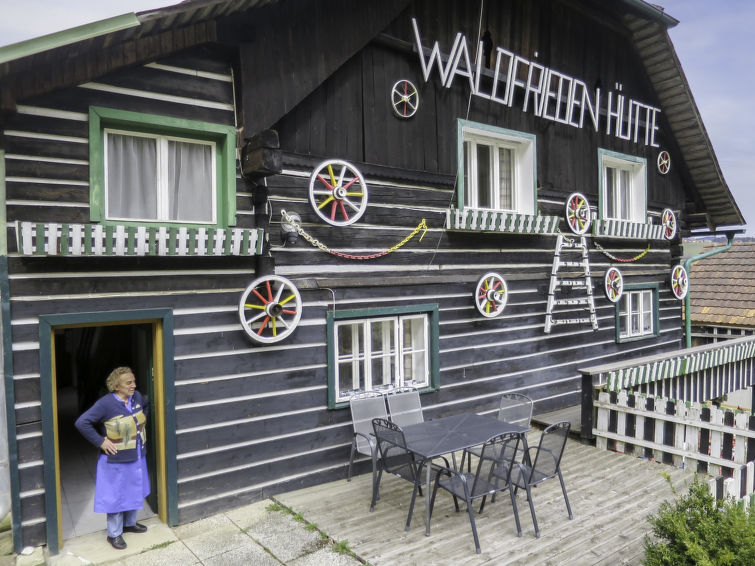 Waldfriedenhutte - Slide 10