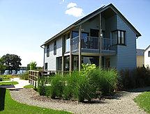 Golden Lakes Village mit Sauna und zum Tennis spielen