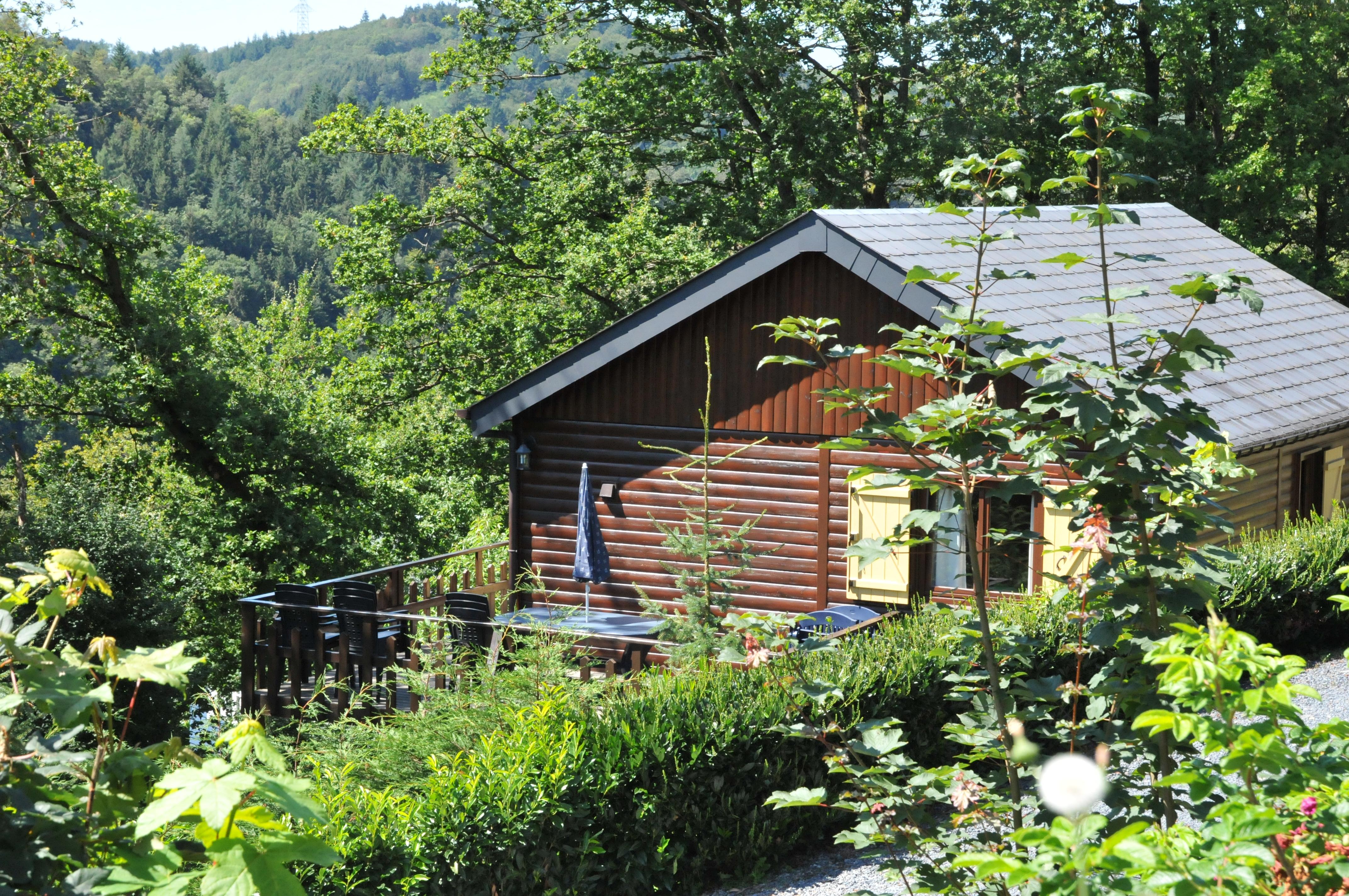 Vakantiehuis v nus 2 in la roche en ardenne belgi be6980 for Chalets te koop ardennen particulier