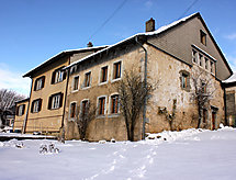 Grand Rue 105 hegyi túrázáshoz és terasszal