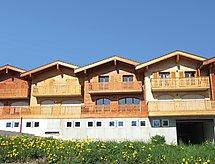 Schumi mit Balkon und zum Wandern in den Bergen