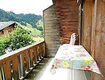 Iseli balkonlu ve Tv ile