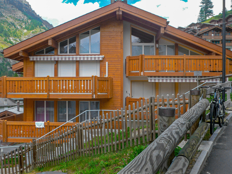 Zermatt suisse appartement amici interhome for Piscine zermatt