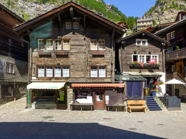 Kirchplatz Apartment in Zermatt