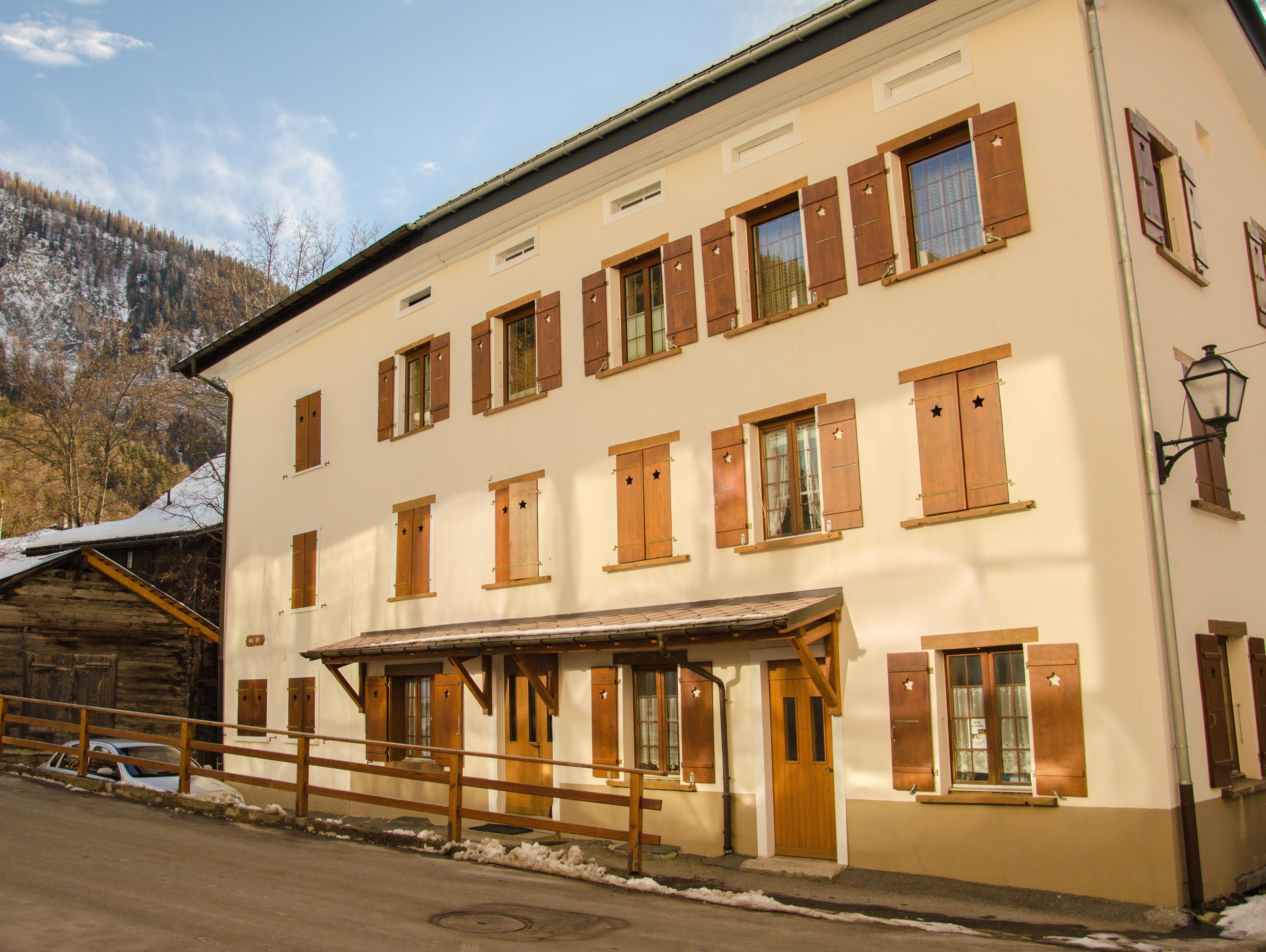 Lo che les bains suisse appartement haus tuft inkl for Location appartement yverdon bains suisse
