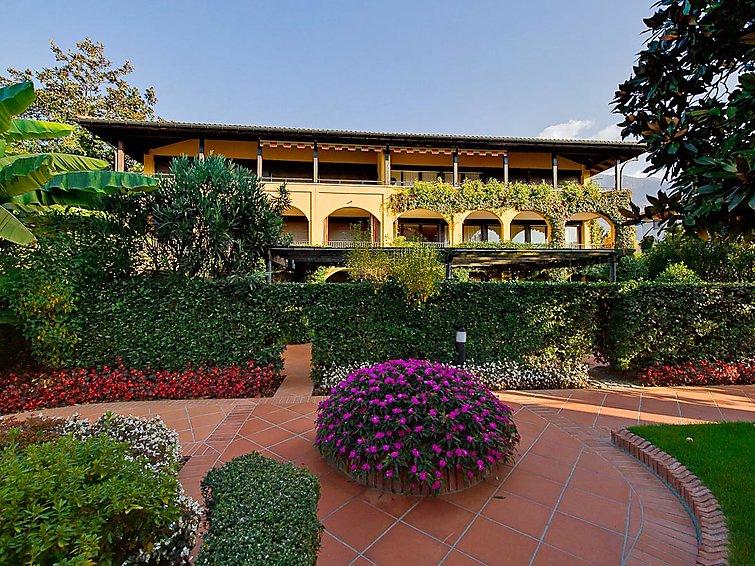 Ferielejlighed Residenza Giardino med pool og solarium