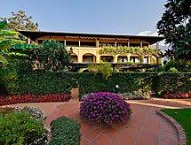 Residenza Giardino mit Pool und Solarium