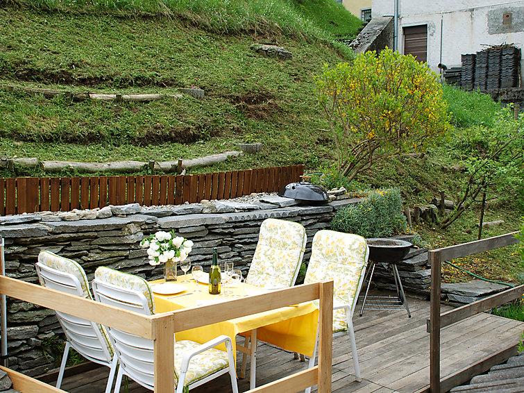 Ferielejlighed Casa Strecce 1 med have og ovn
