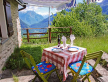 Piancabella (Adventure) for mountain biking and with shower