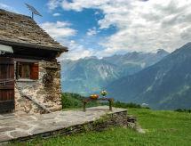 Katono con terraza y horno