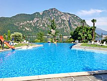 Lago di Lugano med barneseng og internet