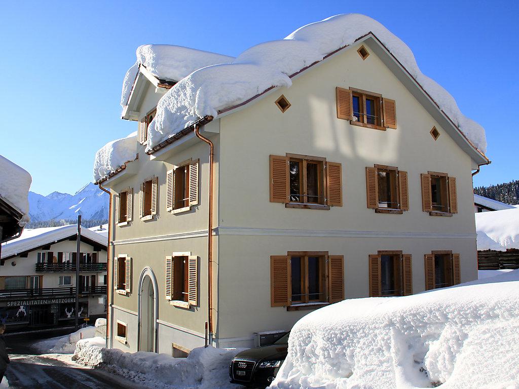 luxus ferienhaus ferienwohnung in schweiz buchen. Black Bedroom Furniture Sets. Home Design Ideas