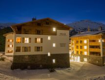 À Alpine Lodge DLX1