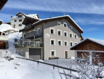 Obersaxen Flond - Appartement Ferienwohnung Casa Radieni Cadonau