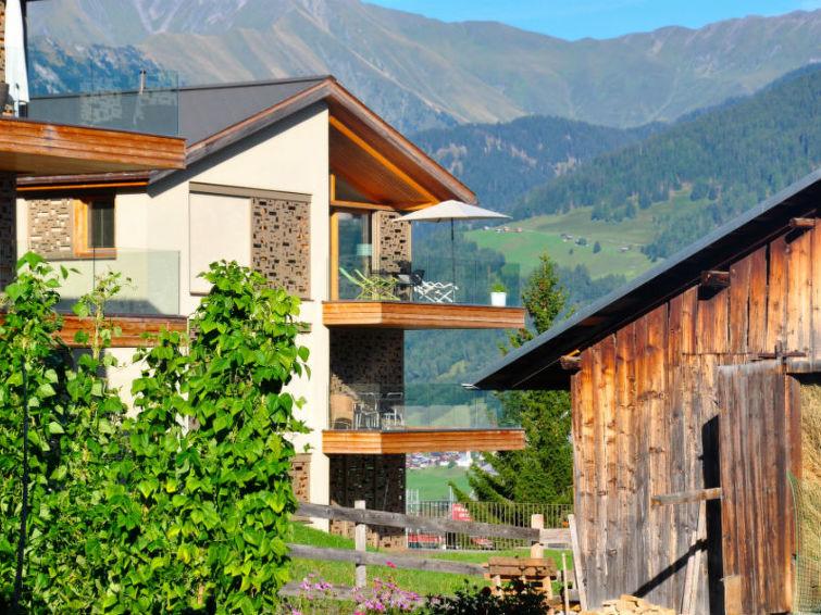 Ferieleilighet Ferienwohnung Casa Lumnezia med basseng og for grill