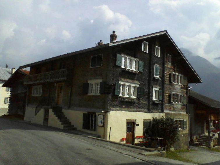 Apartamento de vacaciones Sut Baselgia Capaul para el senderismo y con chimenea