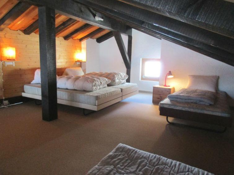 Apartamento de vacaciones Ferienwohnung Anita 7 Defuns Brigels con tv y para montar