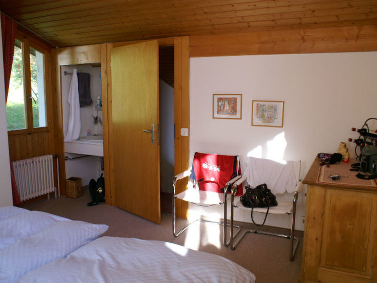 Apartamento de vacaciones Ferienwohnung Casa Enzian Siegmann Brigels para barbacoa y tobogán