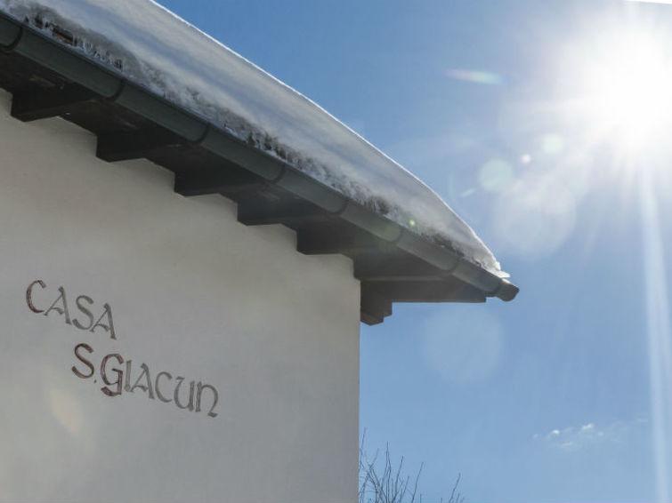 Ferieleilighet Ferienwohnung Casa Sogn Giacun Tacke Brigels med tv og for skøyter