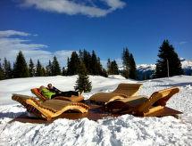 Chalet Noble Swiss balkonlu ve dağ yürüyüşü için