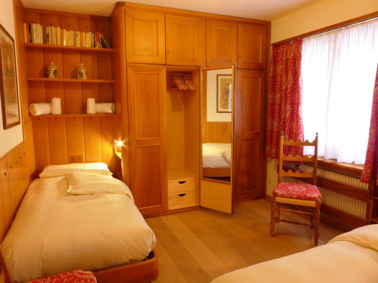 Chesa Arlas E2 - Apartment - St. Moritz