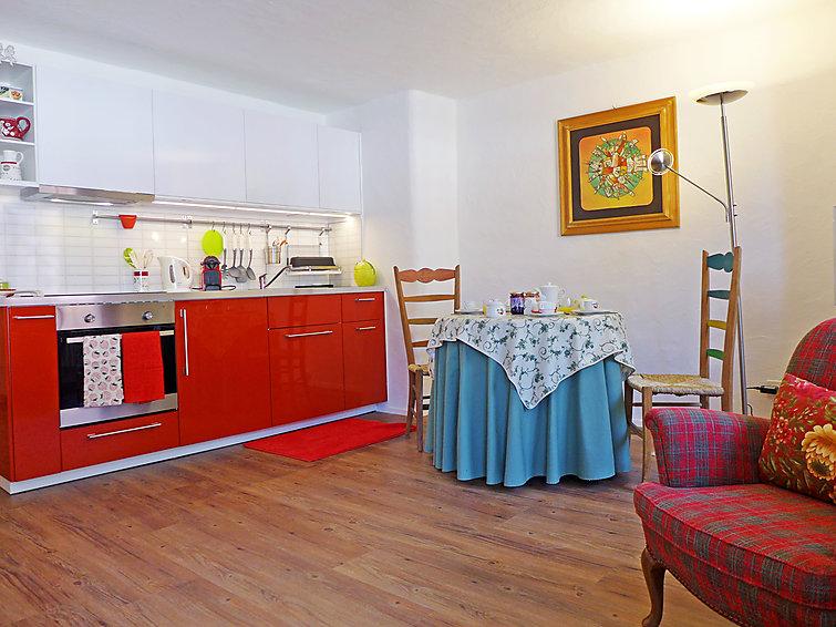 Chesa Rossa - Apartment - Bever