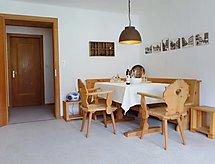Zuoz - Ferienwohnung Chesa Champagna B