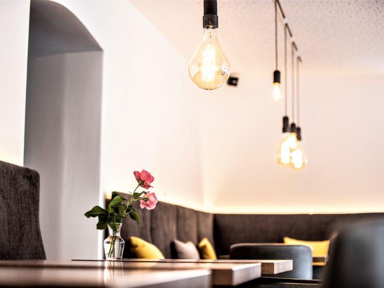Hotel Munsterhof - Slide 11