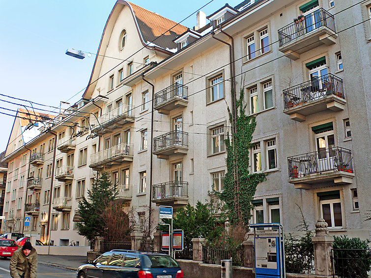 Attractive Apartment Seefeld, Zurich, Summer