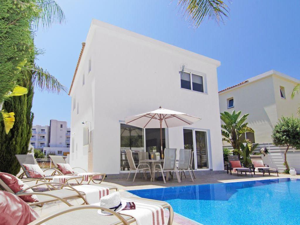 ferienhaus pernera 6 personen zypern famagusta 290528. Black Bedroom Furniture Sets. Home Design Ideas