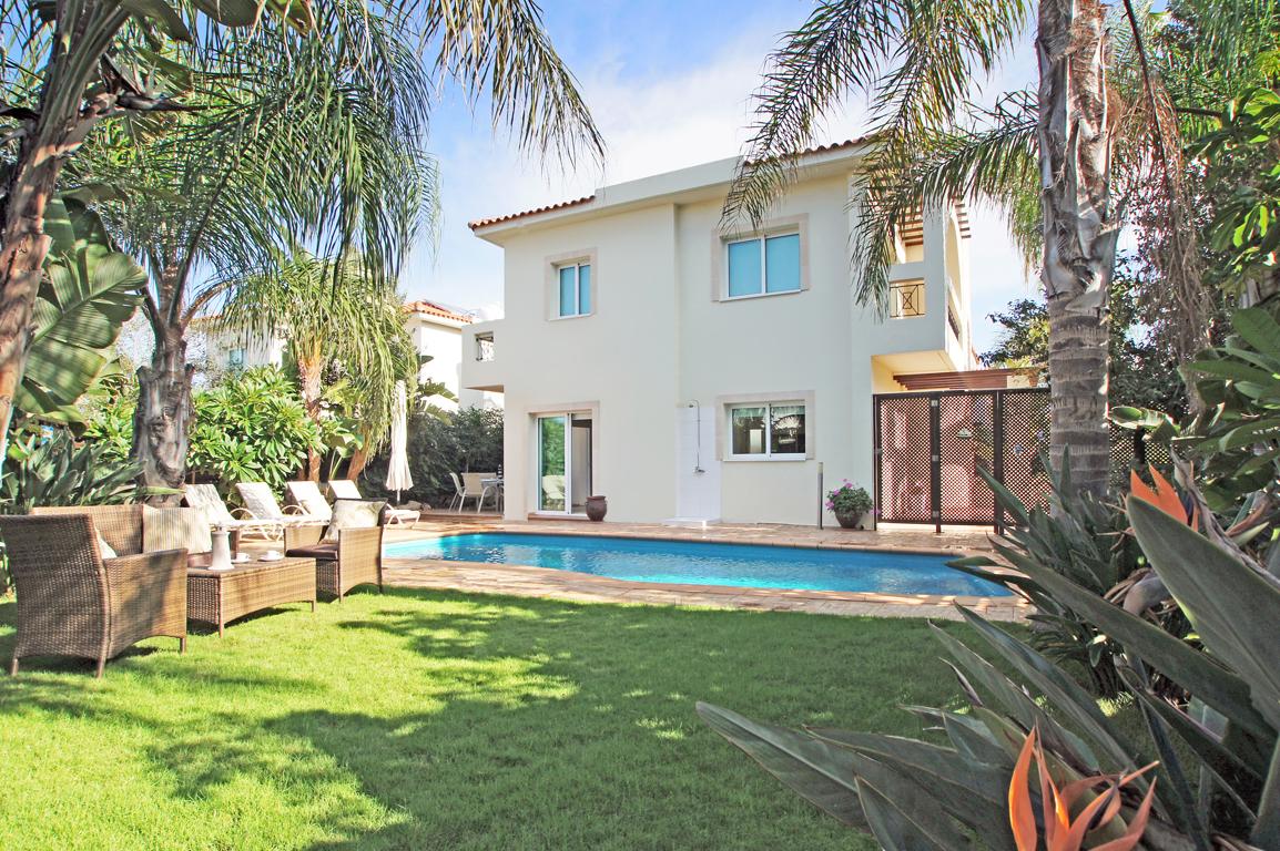 location vacances maison appartement villa et chalet a With location villa piscine france pas cher 10 location vacances maison appartement villa et chalet 224