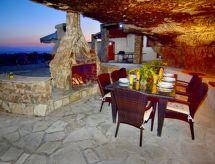 Coral Bay-Peyia - Dom wakacyjny Castle Rock Villa