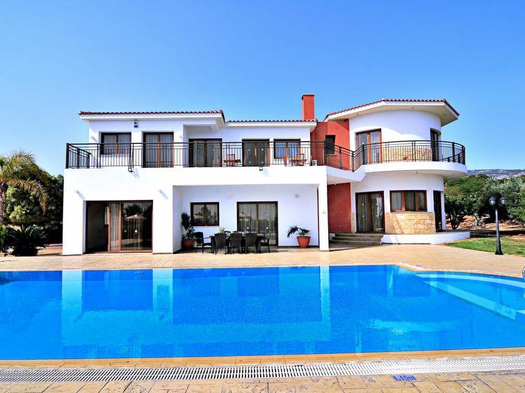 Holiday house luxor villa deluxe in sea caves peyia cyprus cy8561 1 1 interhome for Villa de luxe canada