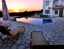 Sea Caves-Peyia - Holiday House Oniros Deluxe Villa