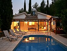 LEVANDAH con terrazza und piscina