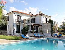 knossos villa mit Geschirrspüler und Feuerstelle